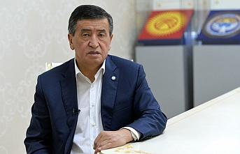 Ceenbekov Cumhurbaşkanı olduğu günün yıl dönümünde istifa etti