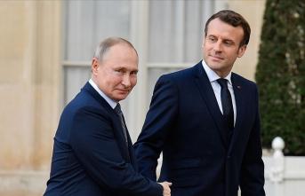 Macron, Putin ile telefonda görüştü