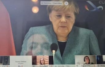 Merkel, sivil toplum temsilcileriyle internet üzerinden Kovid-19 ile mücadeleyi görüştü
