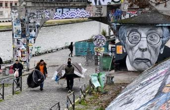 Paris Belediyesi mültecileri 'ortak yaşamla' Fransızlaştırmak istiyor