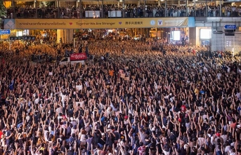 Tayland'da hükümet karşıtı protestolar sürüyor