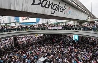 Tayland'da hükümet karşıtı internet siteleri kapatılacak