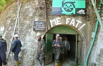 200'den fazla madenci, kendilerini maden ocağına kapattı