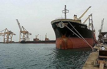 6 ay önce alıkonulan petrol tankeri Hudeyde Limanı'nda