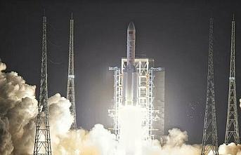 Çin, Ay'dan örnek getirecek insansız aracı fırlattı