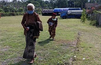 Endonezya'da yanardağ tehlikesi.. Tahliyeler başladı