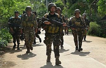 Filipinler'de Ebu Seyyaf örgütüne operasyon