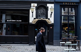 Fransa'da Paris ve çevresinde sokağa çıkma kısıtlamasına bir de yasak eklenecek