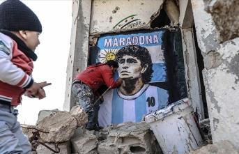 İdlibli grafiti sanatçısından Maradonalı mesaj!