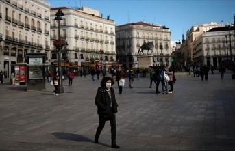 İspanya ve Portekiz'de Kovid-19 önlemleri genişletildi