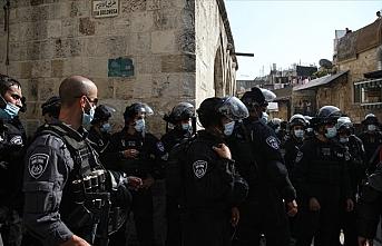 İsrail Filistinlilerin Mescid-i Aksa'ya girişine izin vermedi