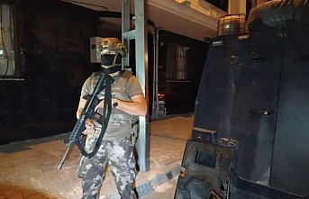 İstanbul'da gece yarısı operasyon! Çok sayıda adrese baskın
