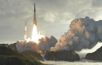 Japonya uzaya iki uydu fırlattı