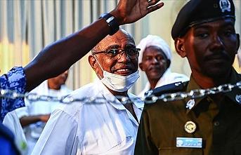 Ömer el-Beşir'in Lahey'de yargılanması ve Sudan'ı bekleyen krizler
