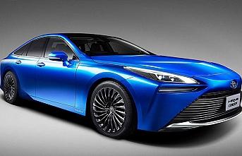 Toyota, hidrojen motorlu yeni Mirai'yi tanıttı