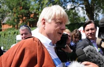 Boris Johnson'ın babası vatandaşlık değiştiriyor