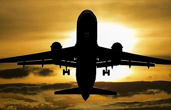 Çin, İngiltere'ye uçuş yasağı getirdi