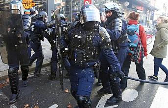 Fransa'da polis şiddetinin yol açtığı siyasi kriz