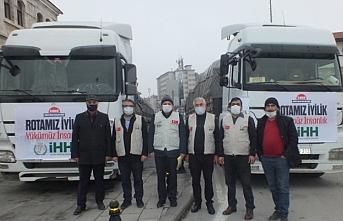 İHH'nın yardım tırları Suriye'ye gönderildi
