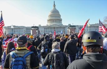 ABD'de gösteriler ve taşkınlıklar nedeniyle Kongre binası kapatıldı