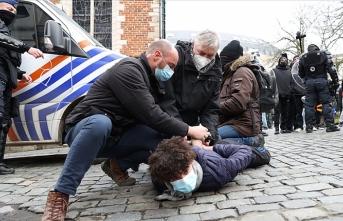 Brüksel'de ırkçılığa ve polis şiddetine karşı protestolar