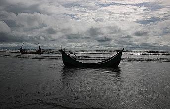 Arakanlılar denizde mahsur kaldı! BM'den çağrı var
