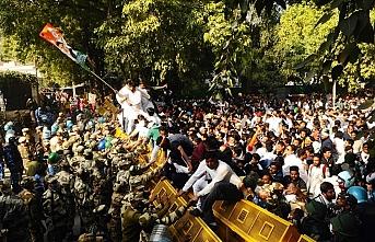 Hindistan'da çiftçiler protestoya devam ediyor