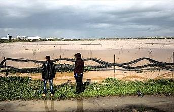 İsrail barajları açtı, Filistinli çiftçilerin tarım arazileri zarar gördü