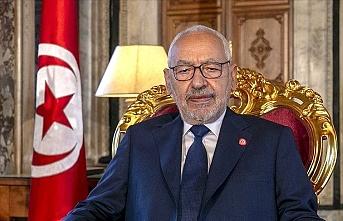 Tunus'ta kriz büyüyor