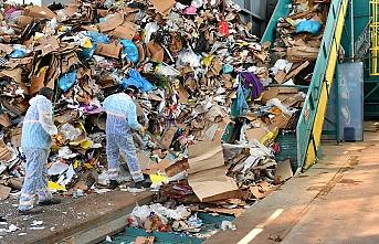 1 milyon çöp ayrıştırılarak gelir elde ediliyor