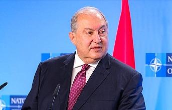 Ermenistan'da kararname krizi devam ediyor