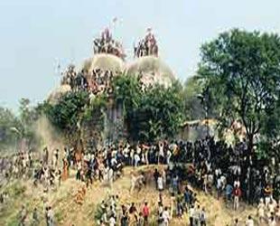 Paylaşılamayan ibadethane: Babür Camii