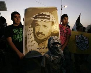 Rusya'ya göre Arafat eceliyle öldü