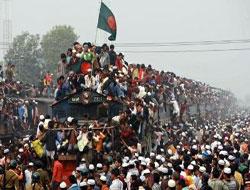 Bangladeş'te Batıcı reformlar halkı sokağa döktü