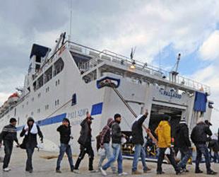 AB'den İtalya'ya mülteciler için yardım