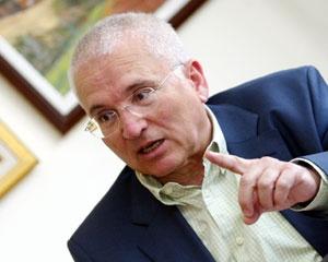 İhracı istenen AK Partili Özdalga da istifa etti