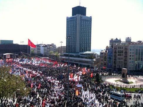 Taksim Meydanı ve yollar kapatıldı