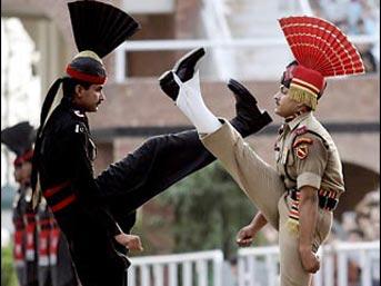 Pakistan ve Hindistan'ın gündemi Keşmir