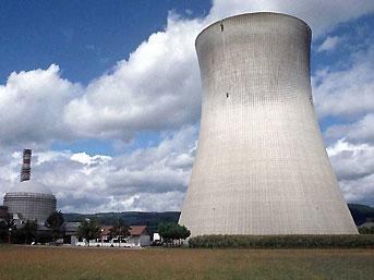 Japonya nükleer enerjiyi sorguluyoır