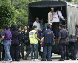 Malezya'da gergin protesto bekleyişi