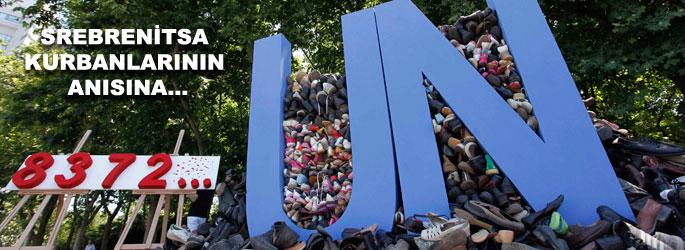 Ayakkabılarla utanç anıtı Taksim'de