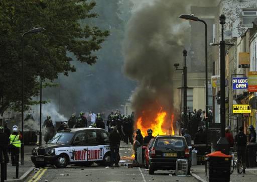 Olaylar Londra dışına taştı, Dört kişi daha öldü