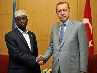 Başbakan Somali'de ziyaretlere başladı