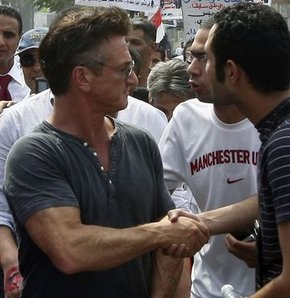 Sean Penn şimdi de Libya'da