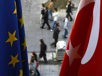 Avrupa'dan Türkiye'ye sivil anayasa çağrısı