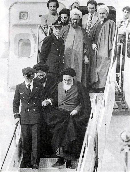 Humeyni 33 yıl önce bugün Tahran'a dönmüştü