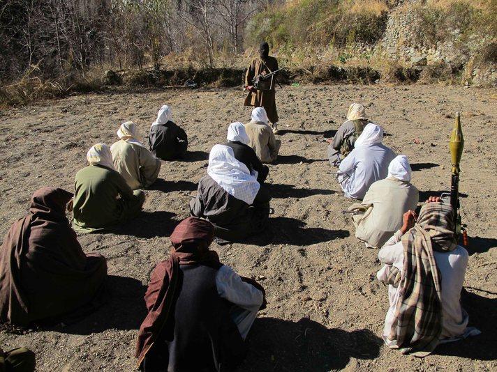 Eş Şebab el Kaide'ye katıldı