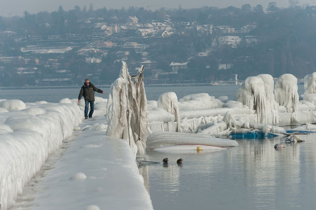 Avrupa'da 'buz heykeli'ne dönen şehir-FOTO