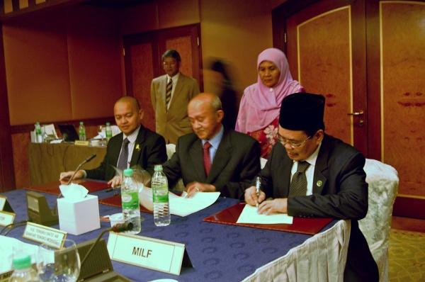 Moro Müslümanlarına geniş özerklik