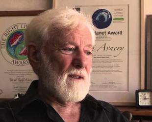 İsrailli yazar Grass'ı savundu